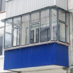 Остекление балконов оцинкованными рамами